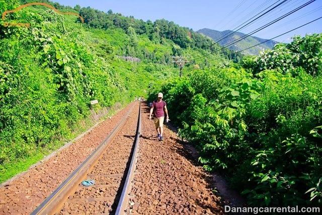 Walk to Van village, Da Nang city