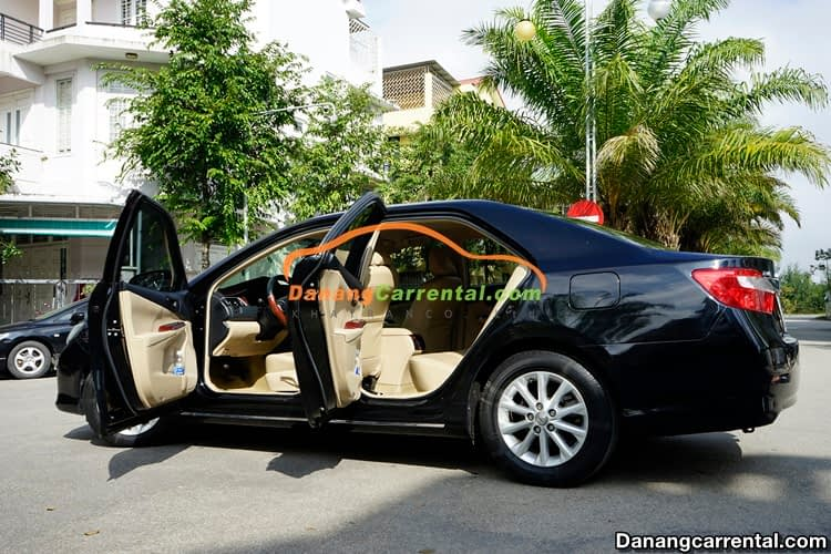 rental Toyota Camry from danang to hoi an
